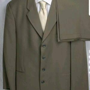 Men's Peerless Man Suit-46